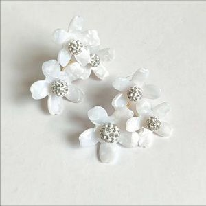New lele sadoughi white floral stud earrin…